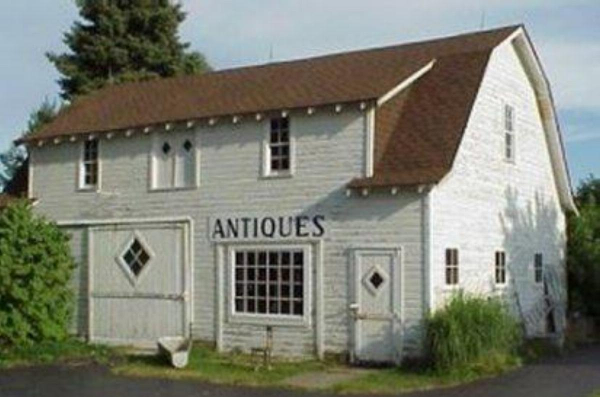 Apparel from the Past & Shawnee Road Antiques Annual Fall Sale