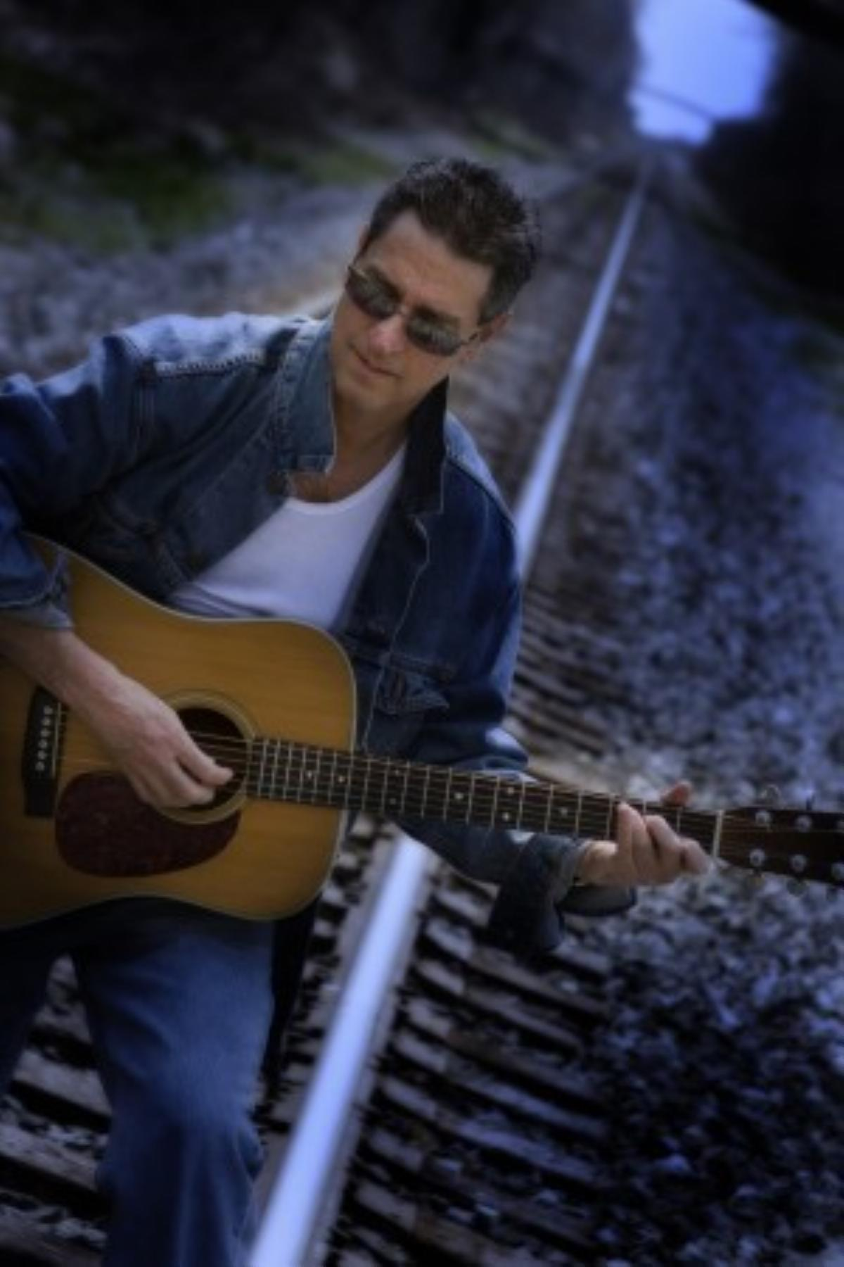 Dablon Winery Hosts Live Music by Jimmy Fastiggi
